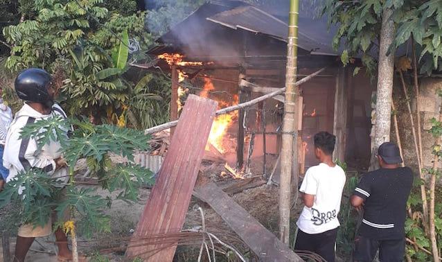 Di BTN Doyo Grand, Satu Rumah Warga Terbakar